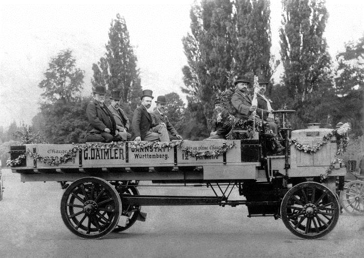 Первый грузовик даймлер